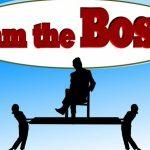 Czego nie powinien robić szef?