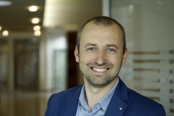 Artur Pęksyk na czele Pionu Sprzedaży i Marketingu w Porta Praca, BIZNES - Artur Pęksyk objął stanowisko dyrektora Pionu Sprzedaży i Marketingu utworzonego w Porta KMI Poland w wyniku strategicznej decyzji o konsolidacji dwóch departamentów.